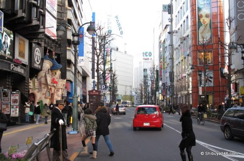 The view looking up Koen-dori. Surprisingly not many people out today.